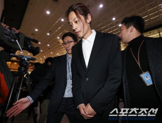Jung Joon young chỉ bị phạt tiền 800 USD cho các tội danh liên quan đến mại dâm trái phép.