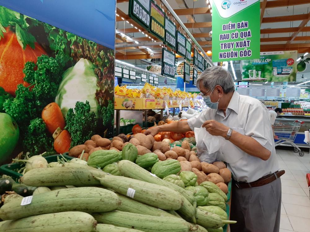 Siêu thị vẫn đảm bảo nguồn cung lương thực thực phẩm cho người dân