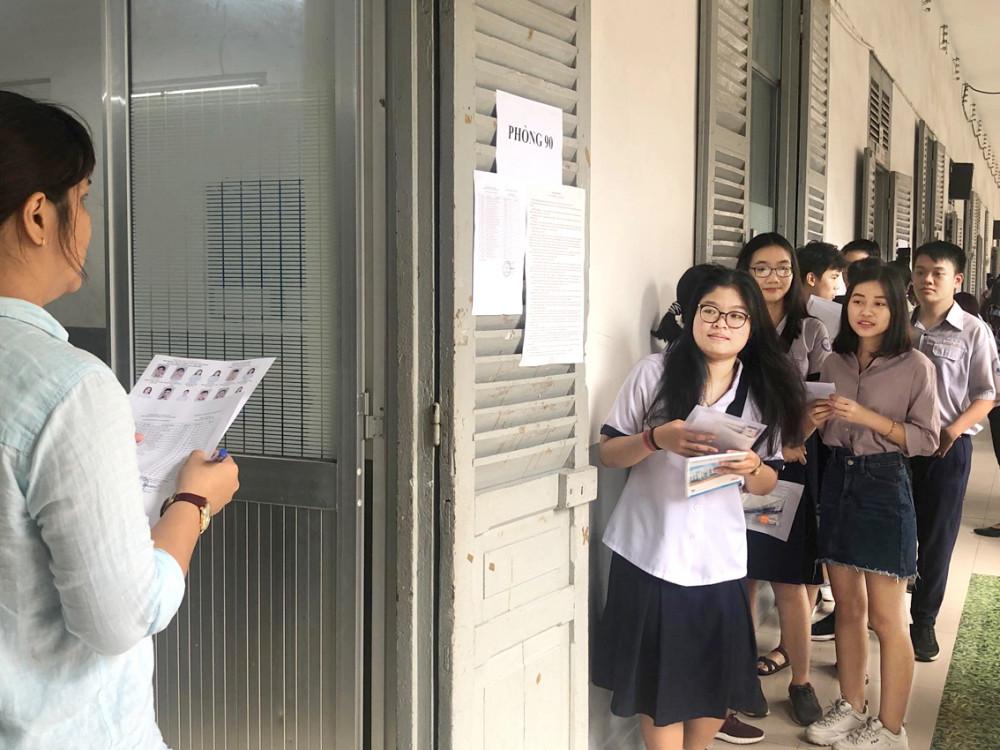 Xét tốt nghiệp THPT là phương án nên cân nhắc nhất. Ảnh thí sinh thi THPT quốc gia năm 2019 - Ảnh: Thanh Thanh