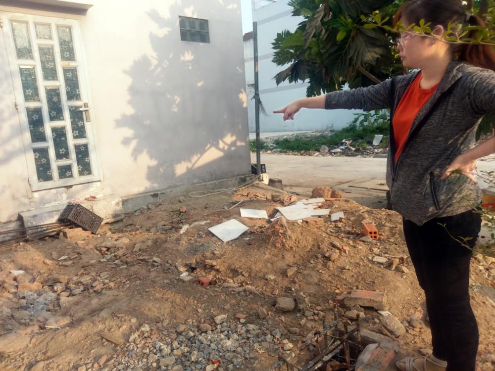 Hiện tại, UBND P.An Lạc chưa nhận được hướng dẫn của các phòng, ban chuyên môn về cách xử lý cánh cửa trổ trái phép