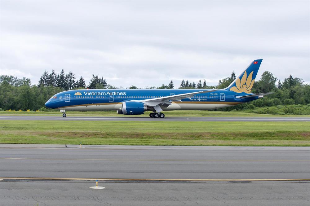 Vietnam Airlines giới hạn khách bay đến TPHCM đến hết ngày 15/4.