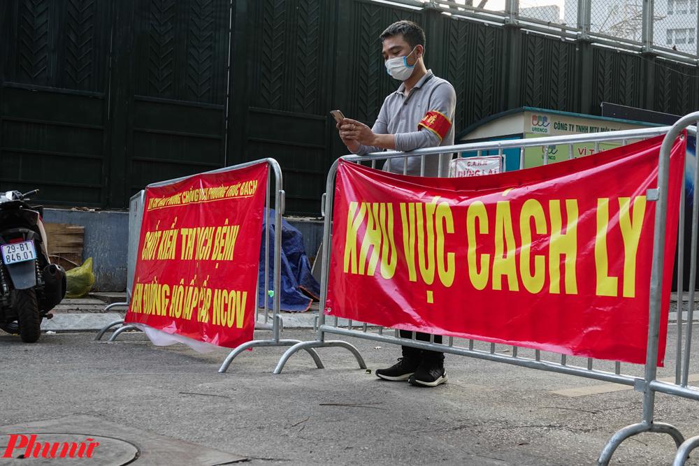Mê Linh yêu cầu phong tỏa ngay khu vực cư trú của bệnh nhân mắc Covid (ảnh minh họa: Cách ly tại phố Trúc Bạch, Hà Nội)