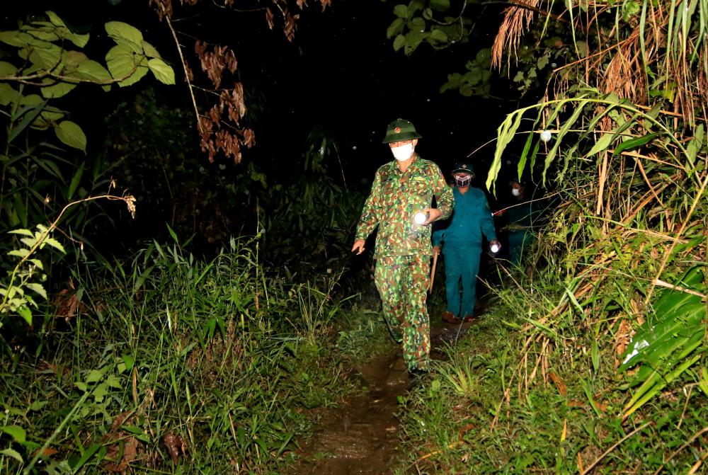 Không kể ngày đêm, các cán bộ, chiến sĩ nơi đây vẫn luôn thực hiện nhiệm vụ, bảo đảm tuyệt đối không để lọt người.