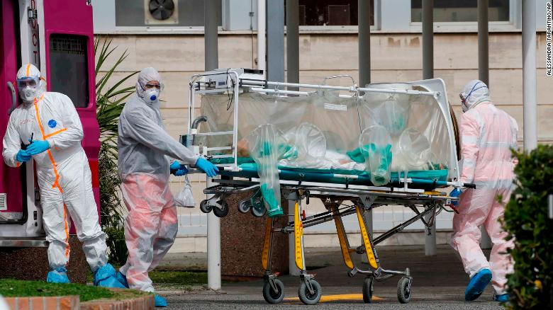 Pháp vượt mốc hơn 10.000 người chết do dịch COVID-19.