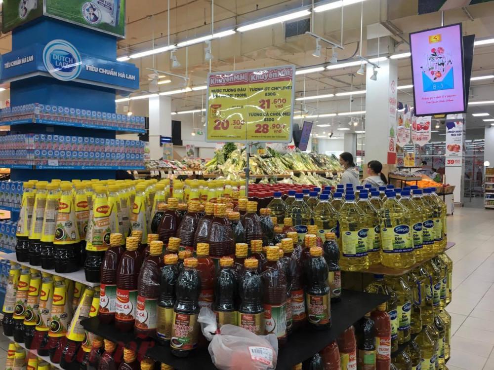 Hàng loạt sản phẩm thiết yếu tại siêu thị được giảm giá