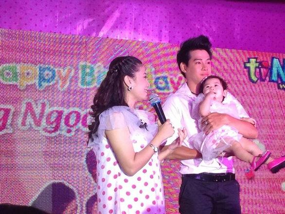 Phùng Ngọc Huy và Diễn viên Mai Phương cùng tổ chức sinh nhật cho con khi còn bên nhau