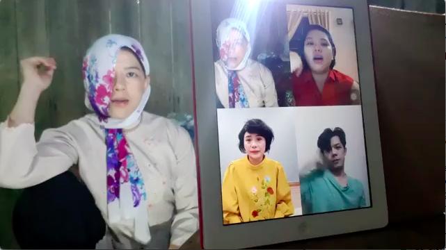 Hồng Trang và các đồng nghiệp diễn online để đỡ nhớ nghề, nhớ khán giả