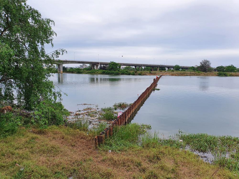 Đà Nẵng đang gấp rút xây dựng nhà máy nước Hòa Liên song song với việc chặn tạm sông Cẩm Lệ để cấp nước cho người dân khi mùa hạn mặn đang tới gần