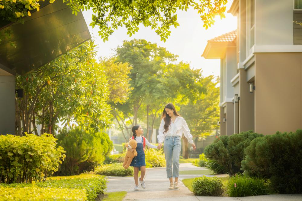Trường học nằm trong khu đô thị mang đến nhiều tiện ích cho cư dân. Ảnh: Shutterstock