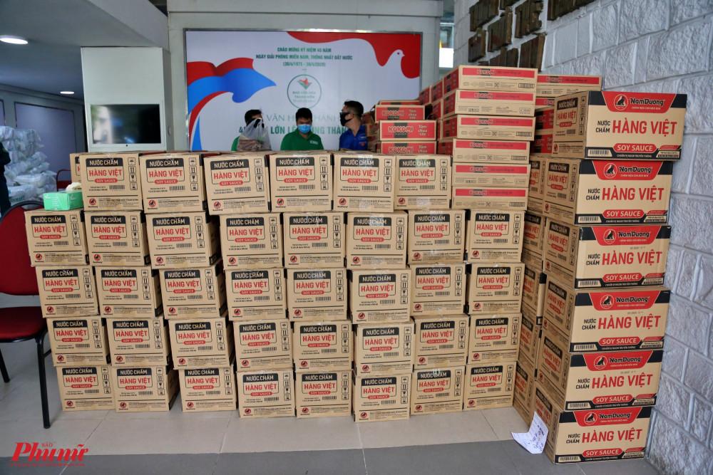 2.000 thùng mì gói, 6 ngàn chai nước chấm sẽ chuyển đến tay người dân có hoàn cảnh khó khăn trong thời gian giãn cách xã hội