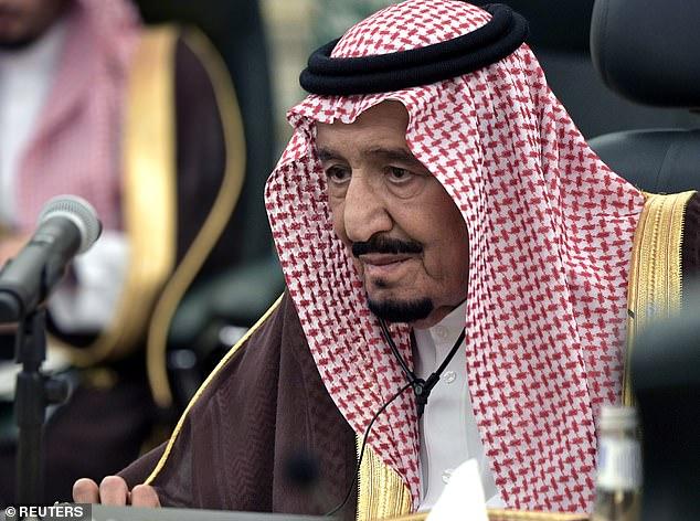 Vua Salman hiện đang ở ẩn tại một cung điện trên đảo gần thành phố Jeddah.