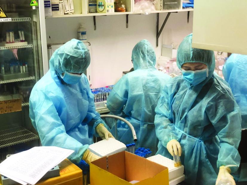 Bộ phận tiếp nhận mẫu của Viện Pasteur TP.HCM làm việc 24/24