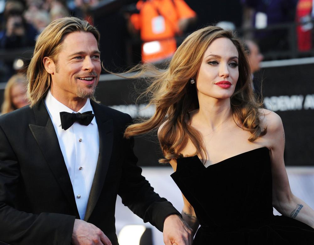Brad Pitt và Angelina Jolie chưa hoàn tất thủ tục ly hôn vì còn tranh chấp quyền nuôi con.