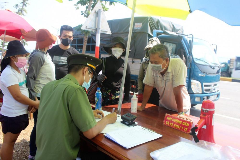 Quảng Nam đang tiến hành cách ly tập trung 545 người về từ TP.HCM