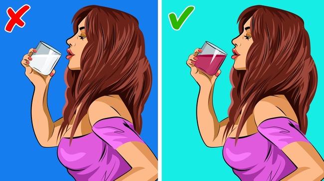 Uống một ly nước ép cherry Nghiên cứu mới của Đại học bang Louisiana cho thấy 2 ly nước ép cherry giúp bạn ngủ thêm gần 90 phút mỗi đêm. Các sắc tố màu đỏ của Ruby được gọi là proanthocyanidin trong quả cherry làm giảm sự phân hủy của tryptophan và giúp nó tồn tại lâu hơn và hoạt động nhiều hơn. Nếu bạn không thích nước ép cherry, hãy ăn rong biển trong bữa tối. Theo các nghiên cứu được tổ chức tại Oxford, rong biển chứa rất nhiều axit omega-3 giúp bạn có giấc ngủ sâu hơn.