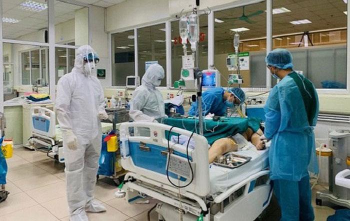 Bác của bệnh nhân 17 hiện đang tiến triển tốt nhưng nguy cơ tử vong vẫn còn