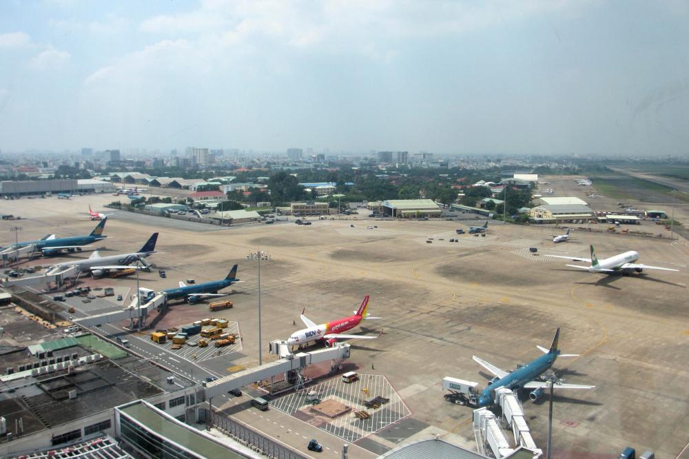 Các hãng hàng không tăng cường thêm chuyến bay nội địa sau thời gian cách ly toàn xã hội.