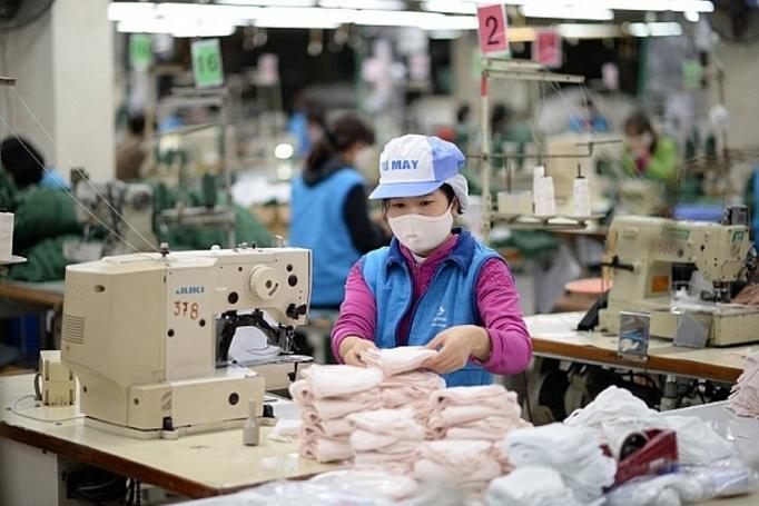 Yêu cầu phải cung cấp giấy tờ chứng minh hàng hóa không thuộc hạng mục cấm xuất khẩu từ Việt Nam, kèm theo hàng loạt các điều khoản thanh toán, giao-nhận, khối lượng... khiến nhiều DN không thể xuất khẩu khẩu trang