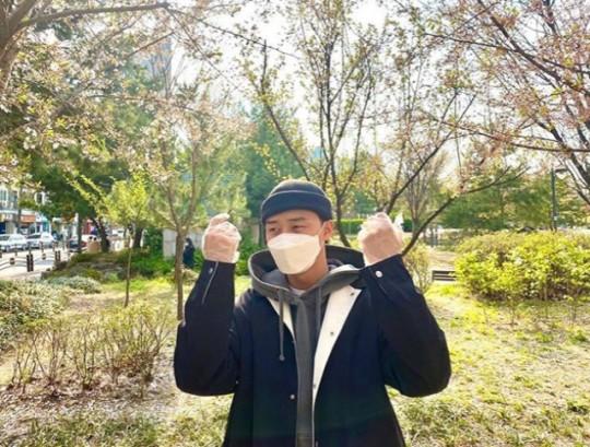Nam tài tử Park Seo Joon rạng ngời sau khi hoàn thành nghĩa vụ của một công dân