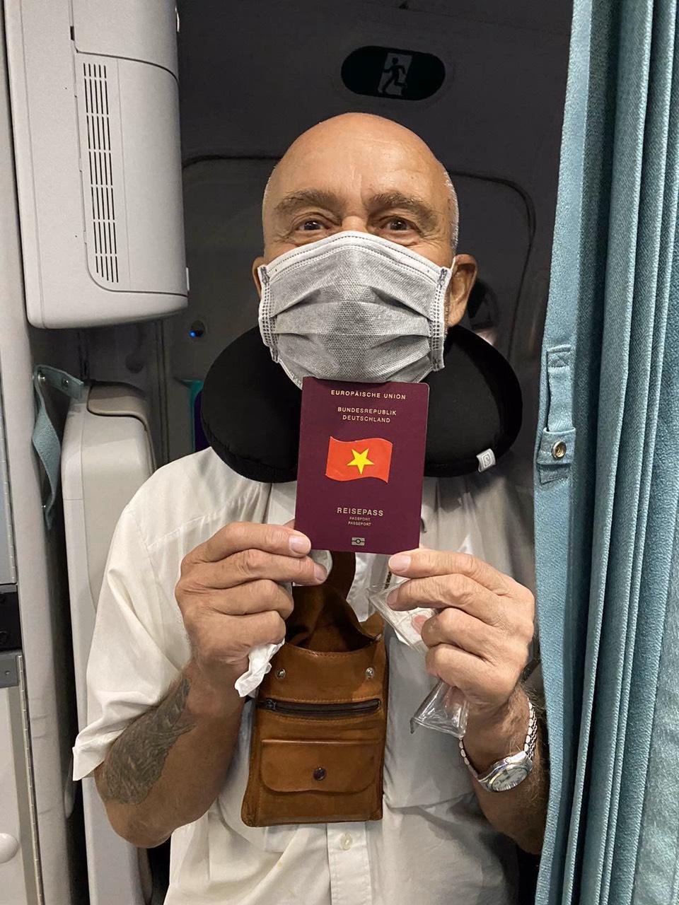 Trên chiều từ Đức về Việt Nam, các chuyến bay không chở hành khách, chỉ chở hàng hóa. Các máy bay được vệ sinh, khử trùng y tế toàn bộ khoang hành khách, buồng lái, hầm hàng ngay sau khi hạ cánh. Chuyến bay có ý nghĩa đặc biệt với các hành khách Đức, châu Âu đang mắc kẹt tại Việt Nam do hiện nay, các chuyến bay thường lệ từ Việt Nam đi quốc tế đều đã bị tạm dừng. Bên cạnh ý nghĩa vận chuyển hành khách hồi hương, viện trợ hàng hóa y tế, chuyến bay còn góp phần thắt chặt quan hệ ngoại giao giữa Việt Nam với Đức và các nước châu Âu, hỗ trợ công cuộc phòng chống, đẩy lùi đại dịch Covid-19 trên toàn thế giới.