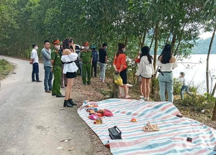 Tụ tập tổ chức dã ngoại, 9 thanh niên bị xử phạt kép