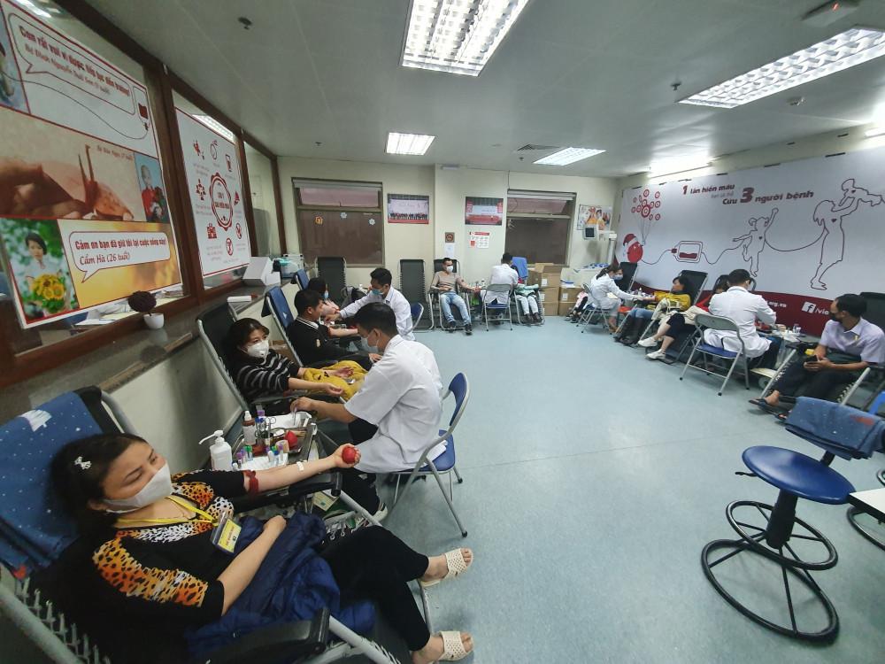 Nhiều người đã tham gia hiến máu nhân đạo trong thời gian qua.