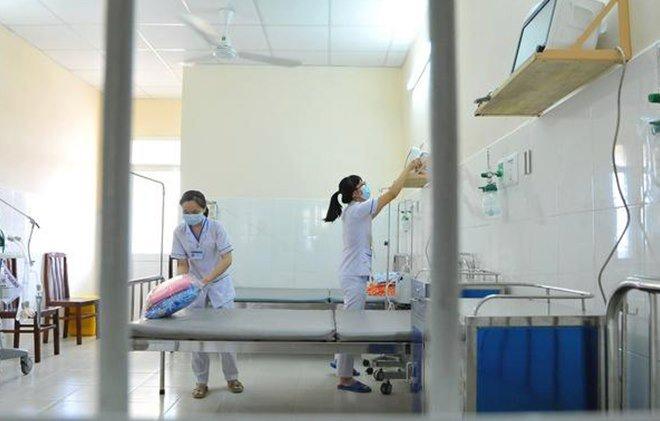 Không để nhân viên y tế nhiễm bệnh trong quá trình chăm sóc và điều trị bệnh nhân COVID-19 là khuyến cáo của Sở Y tế TP HCM mới đây nhất.