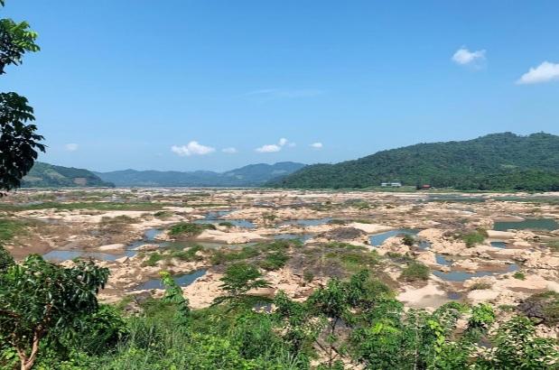Một đoạn sông Mê Kông khô hạn tại Thái Lan vào tháng 8/2019.