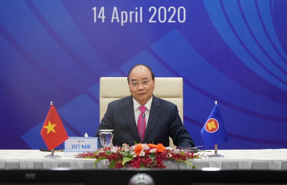 Thủ tướng Nguyễn Xuân Phúc chủ trì Hội nghị Cấp cao đặc biệt ASEAN+3. Ảnh: VGP/Quang Hiếu