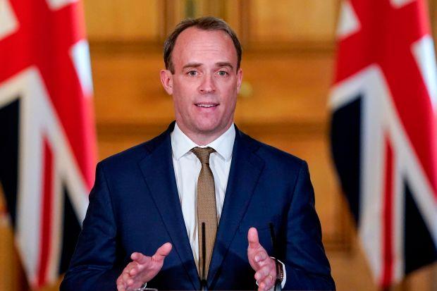 Ngoại trưởng Anh Dominic Raab dự kiến sẽ công bố lệnh phong tỏa toàn quốc ít nhất trong 3 tuần nữa vào ngày 16/4 sắp tới.
