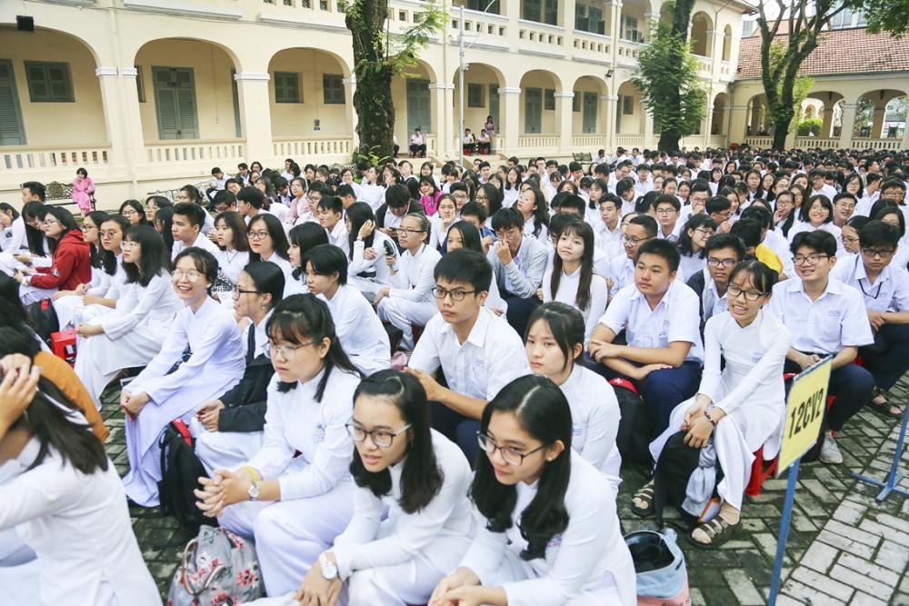 Học sinh lớp 12 mong mỏi Bộ GD-ĐT sớm có phương án thi THPT quốc gia năm nay - Ảnh: Thanh Thanh