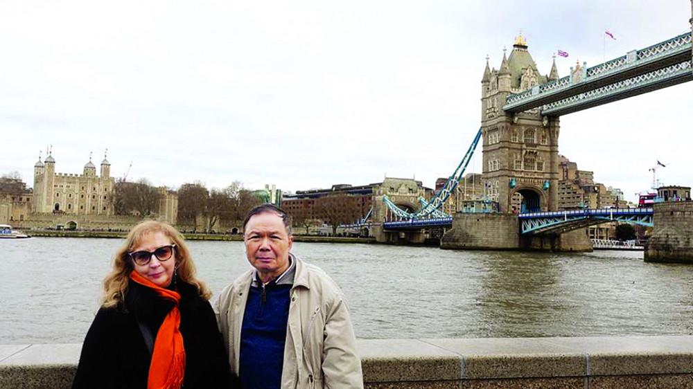 Hình ảnh hạnh phúc thường thấy  của vợ chồng nhà văn Trương Văn Dân và Elena Pucillo Truong