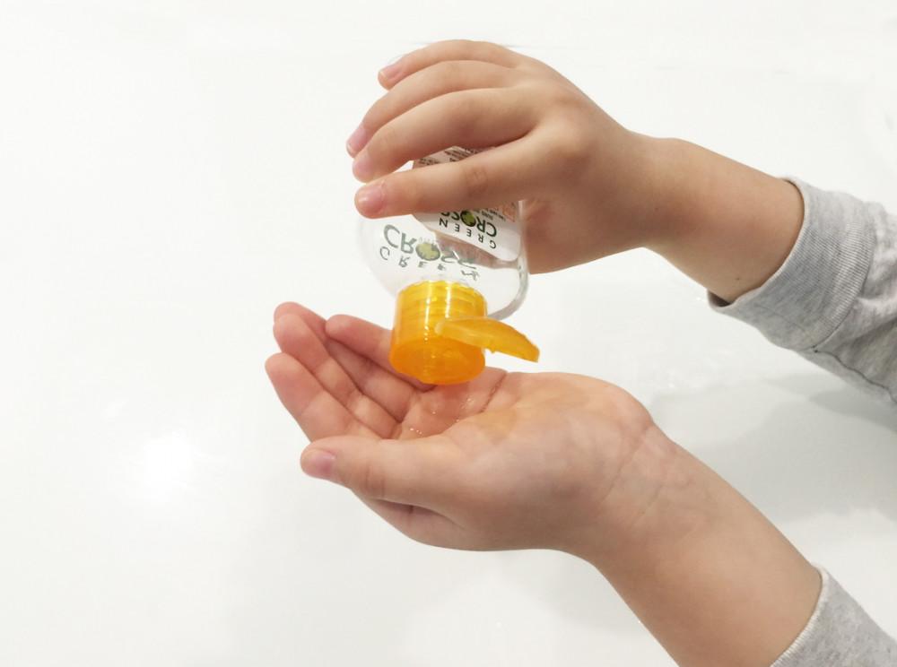 Sử dụng dung dịch rửa tay sai cách hay bảo quản không cẩn thận có thể khiến trẻ em gặp họa Ảnh minh họa