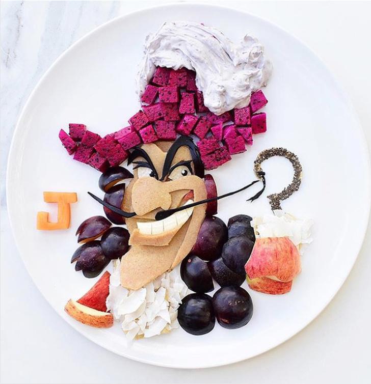 Để cậu con trái thích thú hơn với việc ăn trái cây, bà mẹ đã biến những trái nho, thanh long, táo thành nhân vật hoạt hình rất đẹp.
