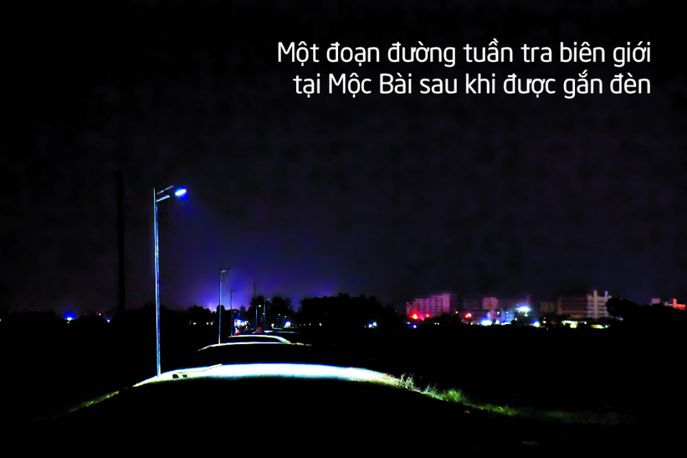 Một đoạn đường tuần tra biên giới tại Mộc Bài sau khi được gắn đèn