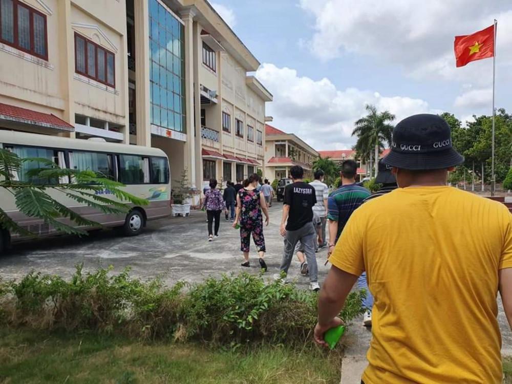 Trường Quân sự tỉnh Vĩnh Long - nơi tập trung cách ly phòng ngừa dịch COVID-19