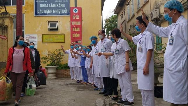 Bệnh nhân 188 đã xuất viện trước đó, sau khi về nhà dương tính trở lại với virus SARS-CoV-2