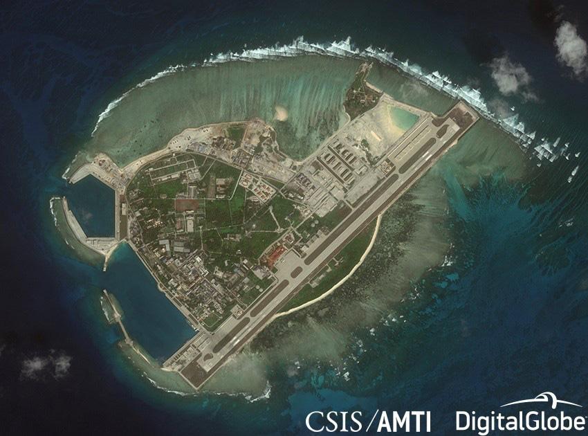 Đảo Phú Lâm thuộc quần đảo Hoàng Sa của Việt Nam bị Trung Quốc dùng vũ lực chiếm đóng và cải tạo bất hợp pháp - Ảnh: CSIS/AMTI