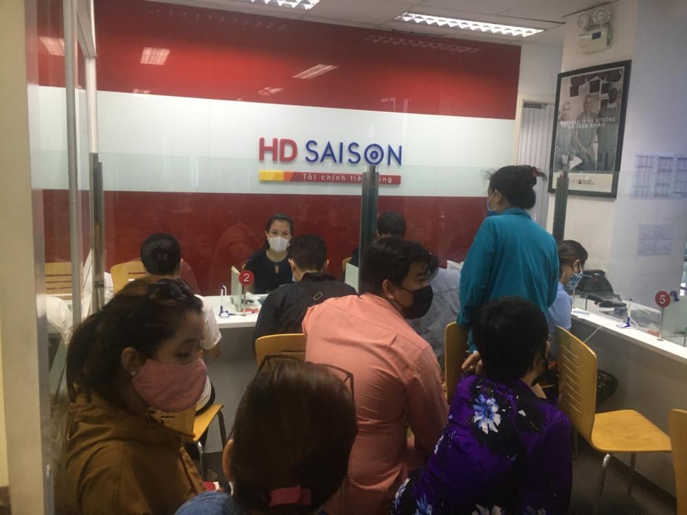 HD SAISON giảm lãi, giãn nợ, giữ nguyên nhóm nợ hỗ trợ khách hàng. Ảnh: HD SAISON cung cấp