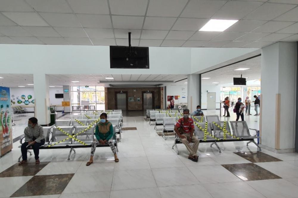 Bệnh viện có biện pháp tác động để mọi người luôn giữ khoảng cách nhất định