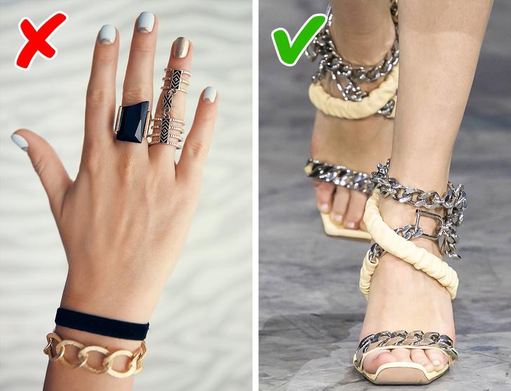 Năm 2020, giày biến thành một phụ kiện có thể thay thế cả trang sức và đá quý. Các người mẫu đến từ các nhà mốt của Mitchal Gurung, Peter Pilotto, Balmain, Bottega Veneta và Simone Rocha đeo dây chuyền, pha lê và ngọc trai trên chân khi đi trên đường băng. Nếu bạn thích xu hướng này, bạn chỉ có thể thay dây đai trên giày bằng dây xích thay vì mua một đôi mới.