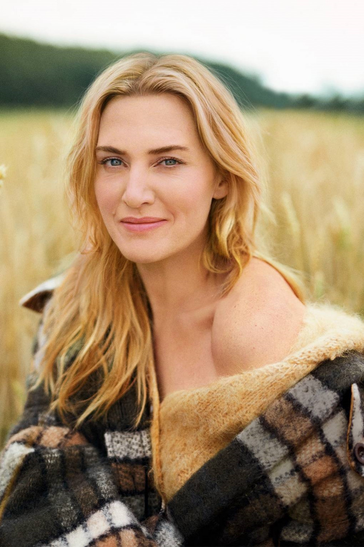 Kate Winslet vẫn cuốn hút mọi ánh nhìn ở tuổi 44.
