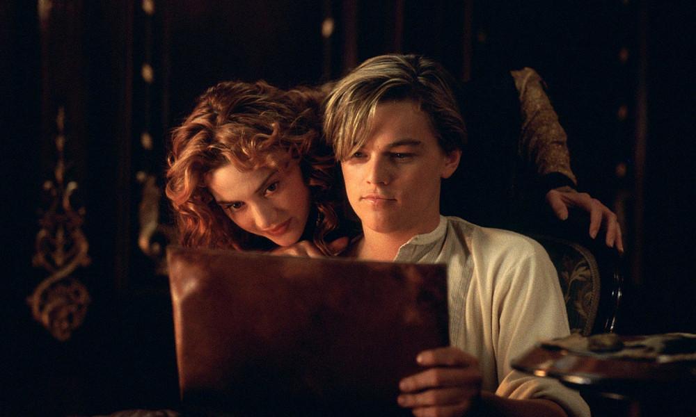 Hình ảnh Kate Winslet và nam diễn viên trong phim Titanic.
