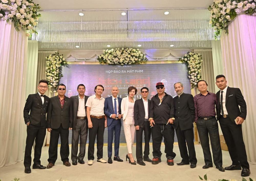 Nhiều diễn viên gạo cội góp mặt trong phim Xích lang như NSND Nguyễn Hải, NSUT Phú Thăng, diễn viên Chu Hùng