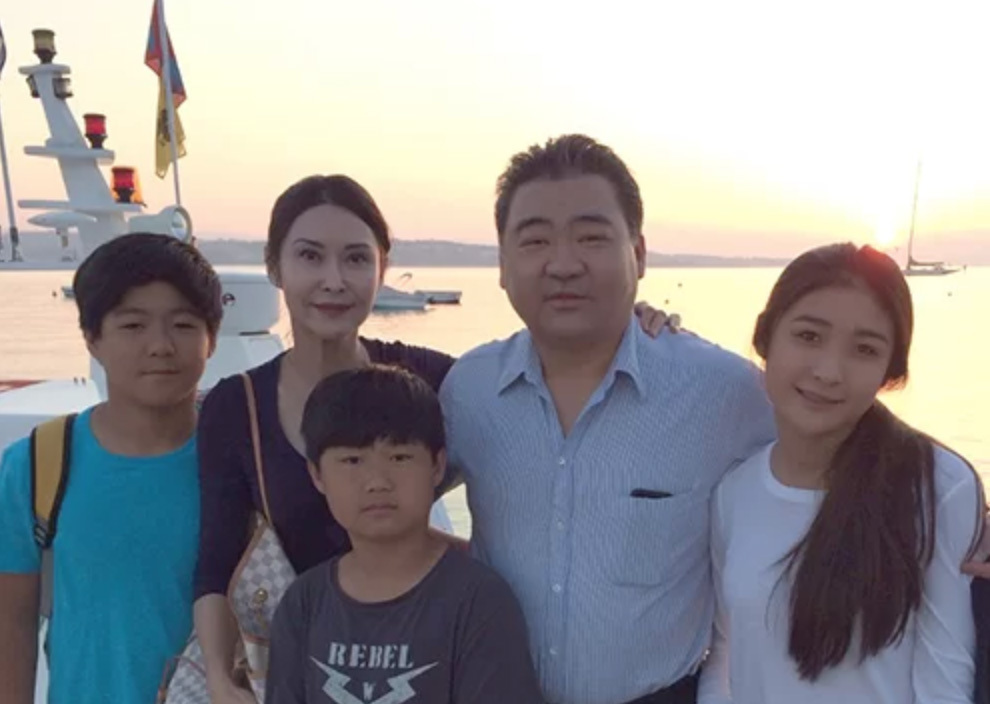 Gia đình 5 thành viên của Diệp Ngọc Khanh