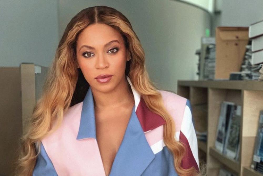 Ca sĩ Beyonce tìm cách hỗ trợ cộng đồng người lao động gốc Phi tại Mỹ.