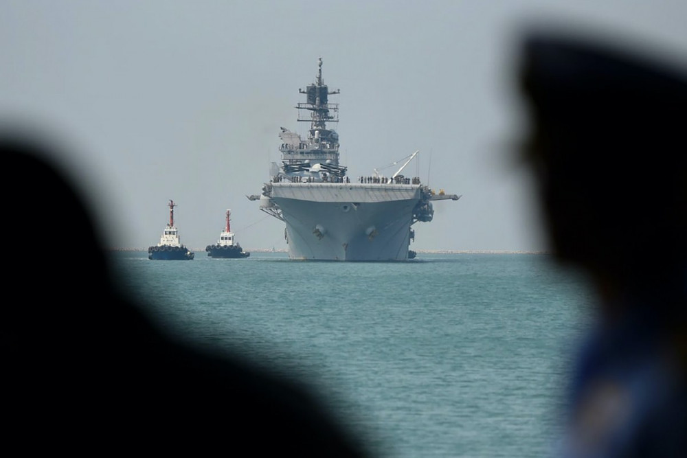 Tàu tấn công đổ bộ Mỹ USS America đến căn cứ hải quân Sattahip ở Chonai, Thái Lan, trước cuộc tập trận quân sự 'Cobra Gold' vào ngày 22/2/2020. Nó hiện đang tuần tra ở Biển Đông gần các tàu Trung Quốc.