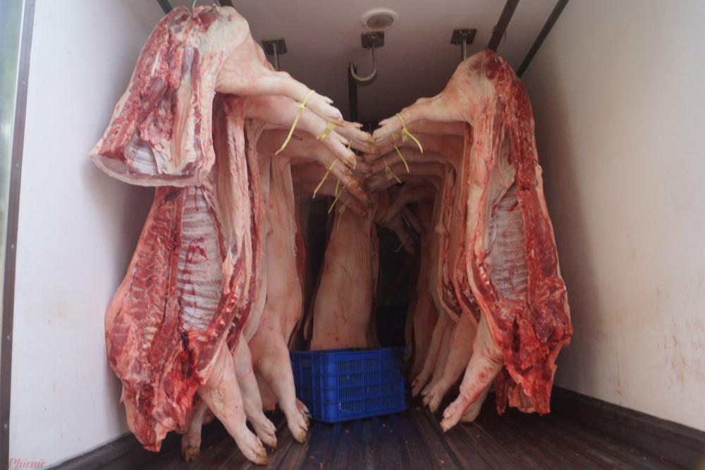 Với diễn biến như hiện nay, rất có thể những tháng tới tiếp tục có những đợt nhập thịt heo với số lượng lớn