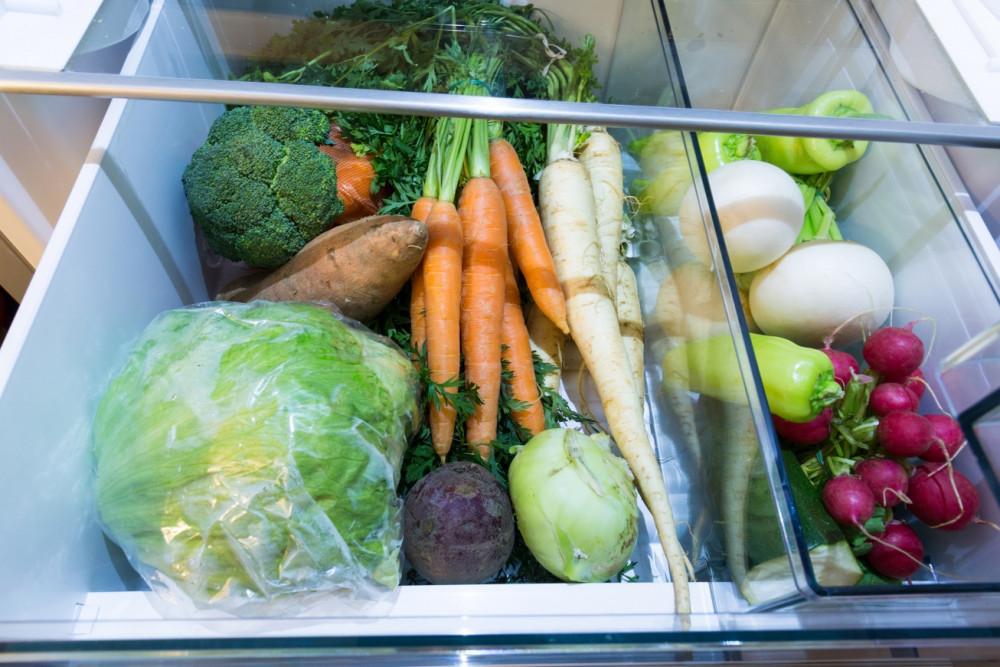Ngăn rau quả với nhiệt độ thích hợp giúp kéo dài thời gian bảo quản