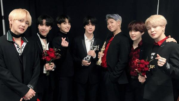 BTS gặt hái vô số giải thưởng lớn nhỏ trong và ngoài nước trong các sản phẩm âm nhạc.